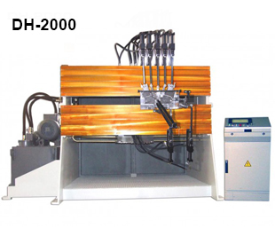 ReivaxMaquinas SL: DH-2000 Machine with tools for manufacturing wire parts.